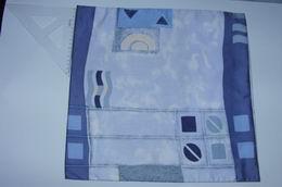 povlak sat�n - vlny a r�zn� tvary na modr�