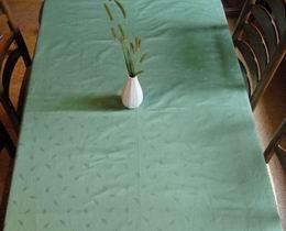 Ubrus - zelen� dama�ek 155x135cm - zv�t�it obr�zek