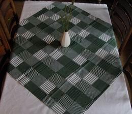 Ubrus -napron - zelen� kostka 95x95cm - zv�t�it obr�zek