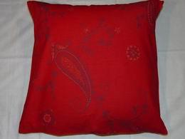 bavln�n� tisk -ornamenty na �erven� - zv�t�it obr�zek