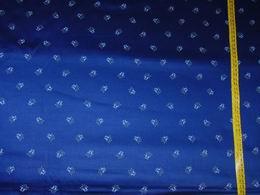 sat�n - kyti�ka na tmav� modr� - zv�t�it obr�zek