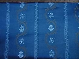 sat�n - kytky v pruz�ch na modro�ed� - zv�t�it obr�zek