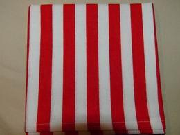 šátek - èervenobílé pruhy