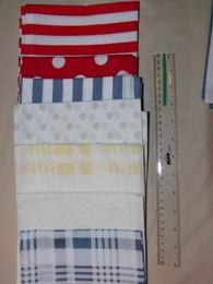 šátek - tmavì modrošedé kostky na bílé