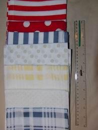 šátek - žluté kostky na bílé