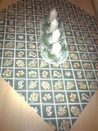 vánoèní ubrus - zelenobílý, obrázkový