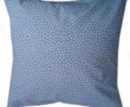 povlak na polštáøek - bílé kytièky na modré