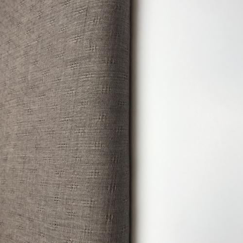 Lehká bavlna hnìdošedá plasticky tkaná
