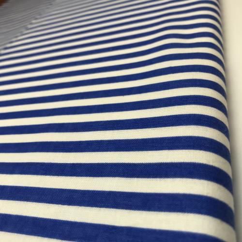 Námoønicky modré proužky na bílé