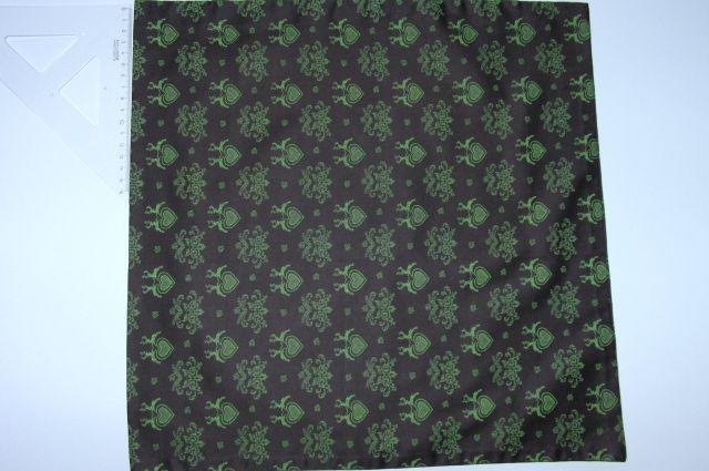 satén - svìtle zelená srdíèka na hnìdé - zvìtšit obrázek
