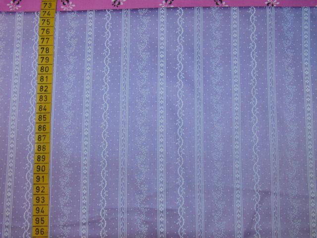 satén vzory v pruzích na svìtle fialové - zvìtšit obrázek