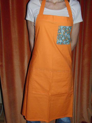 Zástìra dámská - oranžová se zelenou kapsou - zvìtšit obrázek
