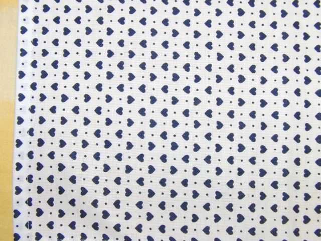 šátek - tmavì modrá srdíèka na bílé - zvìtšit obrázek
