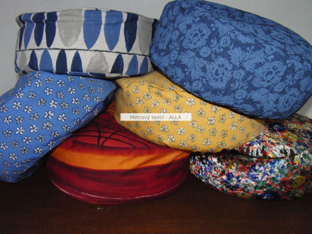 Pohankový podsedák - meditaèní polštáøek s povlakem - teplé barvy: prùmìr - 30cm a výška 12cm - zvìtšit obrázek